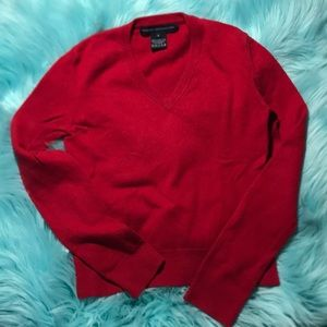 Deep Red cashmere fitted v-neck sweater small